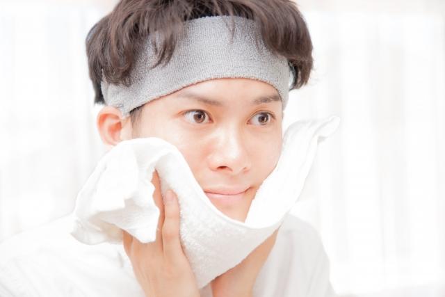 男性の毛穴ケアの基本は洗顔と保湿